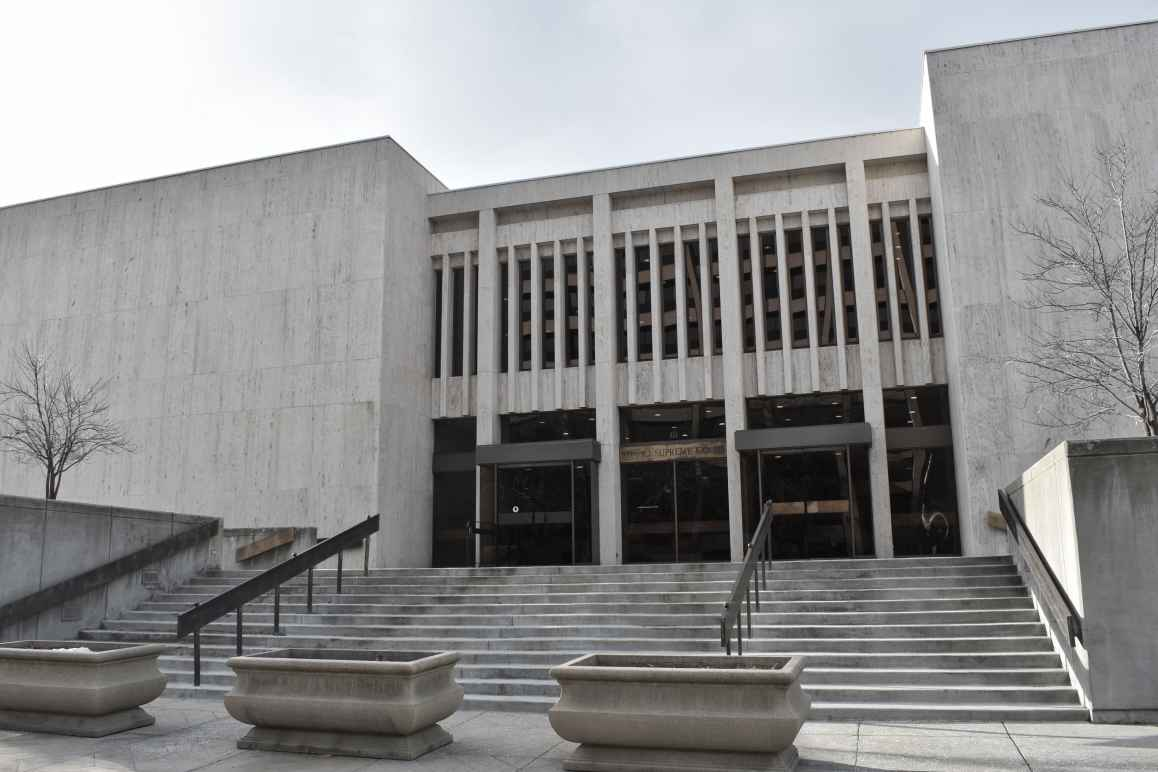 Front exterior of the Idaho Supreme Court and Court of Appeals building
